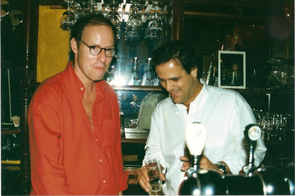 Flavio Gripp en Rudolph Regter in cafe de Fon Perdu in Antwerpen.